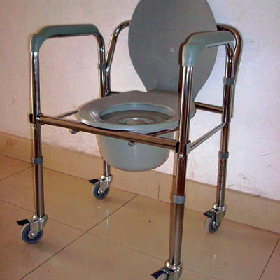 garcia 1880 - cadeira sanitária G2171