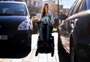 sunrise - cadeira de rodas elétrica QUICKIE SALSA M2 MINI 1